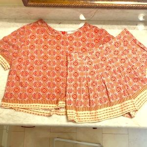 Red and white printed crop-matching shorts!